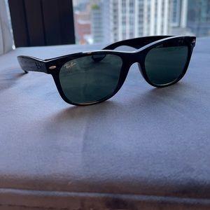 Ray-ban unisex new wayfarer classic sunglasses